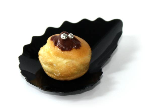 black coquille plates