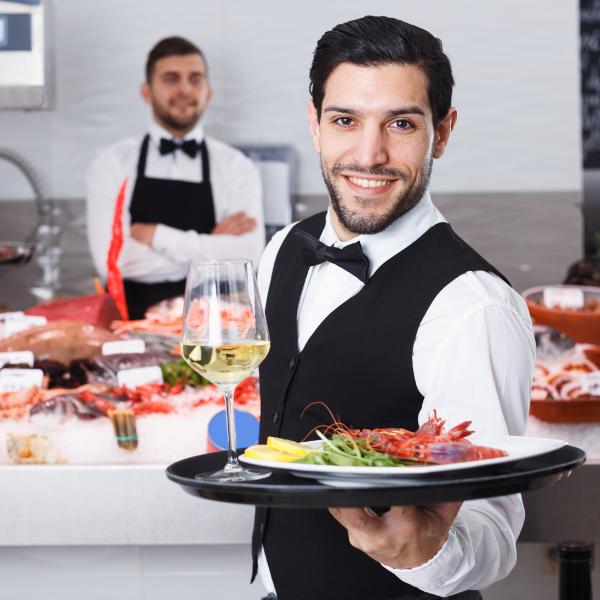 5 Fine Dining Etiquette Tips For Servers