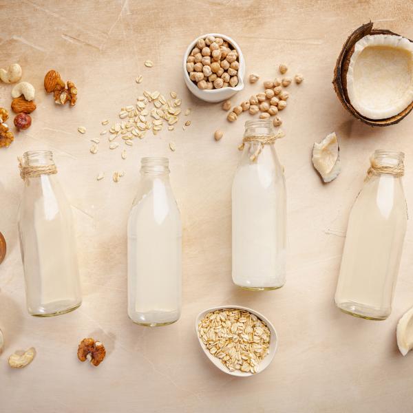7 Best Non-Dairy Milk Alternatives For Restaurants