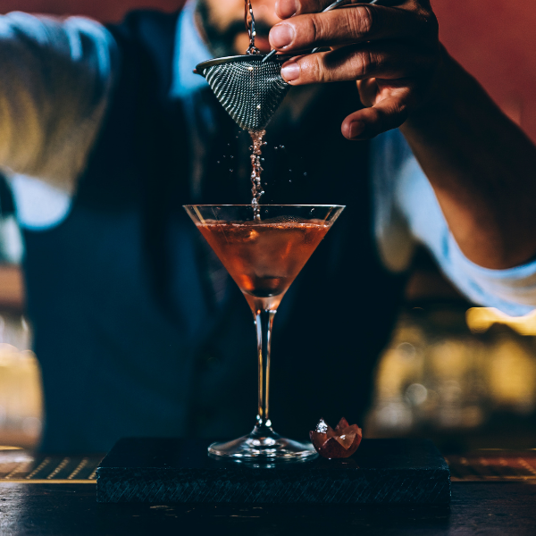 How To Select The Perfect Cocktail Glass