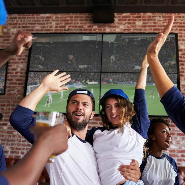 10 Sports Bar Marketing Ideas